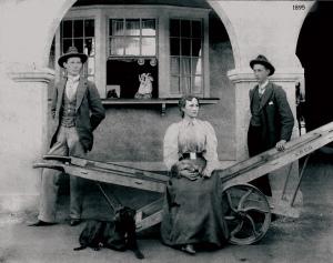 StationwithGates1895wt